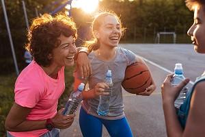 Cinco beneficios del ejercicio físico y del deporte en los adolescentes